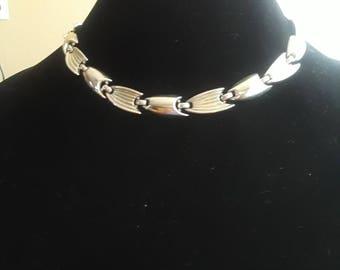 Vintage 'Fin' Link Trifari Silver tone Necklace