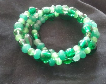 Green Beaded Bracelet, Green Bracelet, Beaded Bracelet, Memory Wire Jewelry, Green Fashion Accessory
