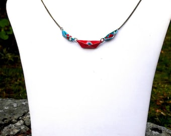 Origami paper boats necklace