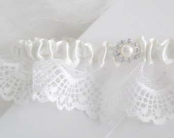 Ivory lace garter, Delicate French Lace Garter, Diamante Rhinestone Garter, Wedding Garter, Bridal Garter, Luxury Lace Garter, Pearl Garter