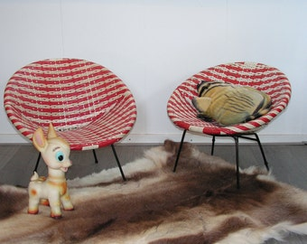 Vintage pair of red white wickerwork design child's bucket chairs,  The Jam chair, 1950s