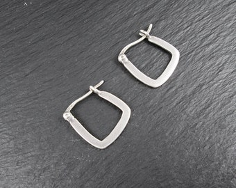 "Sterling Silver Small 0.6"" Square Hoop Earrings 