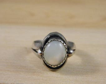 Vintage Sterling Silver Mother of Pearl Ring, Southwestern Mother of Pearl Ring, Vintage MOP Ring Size 6, Vintage Silver Ring