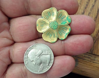 2 Vintage  Brass stamping PATINA FLOWER Jewelry Findings.made in USA /11Z
