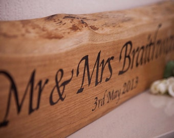 Solid Oak Mr And Mrs Plaque - Rustic Wedding - Top Table - Wedding Gift - 5 Year Anniversary Gift - Wedding Table - Country Wedding