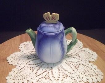 Avon Fine Porcelain Collectible Blue Iris Mini Teapot~1995