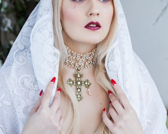 Necklace lace diamond gold Glam Fashionista
