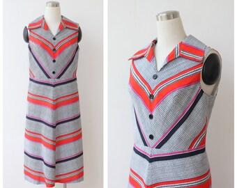 1960s 70s  Mod Dress M L Chevron Pattern Shift Dress Scooter Sleeveless Stripe Dress