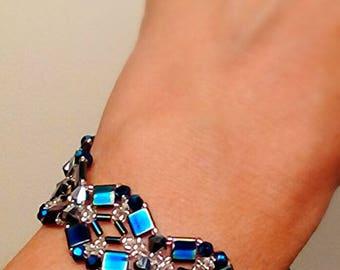 Dark, iridescent beaded bracelet