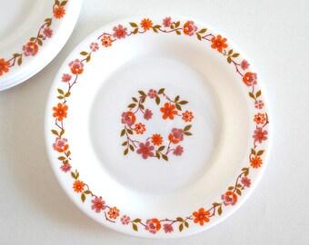 6 Vintage 70s Pink and Orange Flowers Milk Glass Dessert Plates - French Arcopal Dinnerware