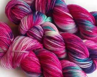 Hand dyed yarn, Bubble Blast, 100% super wash merino wool yarn, dk weight yarn, varigated yarn