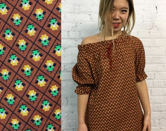 vintage 70s boho off the shoulder top / brown ruffle hippie shirt / boxy boho blouse / prairie top