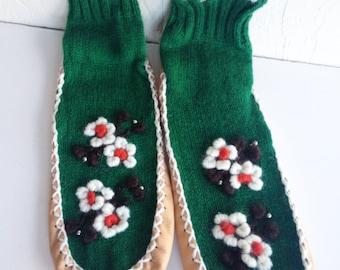 Vintage Green Wool Embroidered Mukluk Sock Slippers Japan L