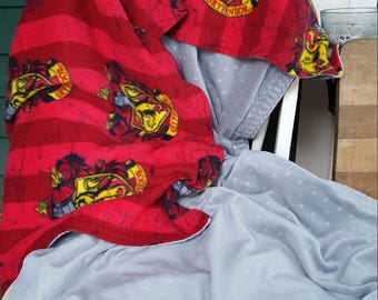 Harry Potter fleece Gryffindor blanket throw, red and deep red stripe, Gryffindor crest, Hogwarts house, fleece and gray minky blanket