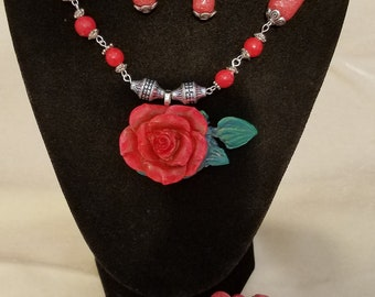 Jewelry set with necklace, earrings, and bracelet using polymer clay