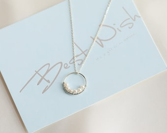 pearls circle necklace