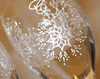 Snowflake Wine Glass, Winter Glasses, Holiday Glassware, Christmas Stemware, Personalized Monogrammed, Iced Tea Water, Painted, Silver White