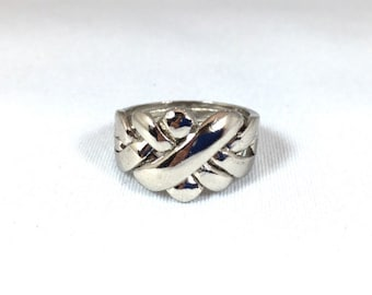Puzzle Ring Large, the Original Friendship ring in sterling silver.