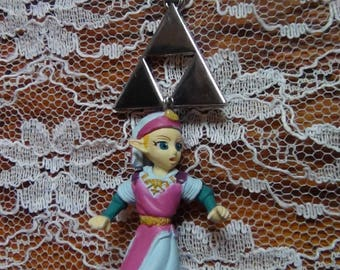 Legend of Zelda- Princess Zelda Figurine and Triforce Necklace