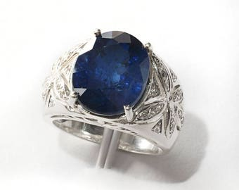 Ring with a dark blue sapphire, 925 silver.