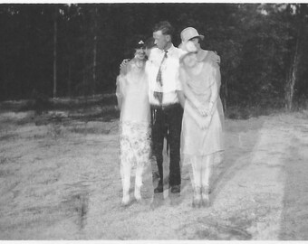 "Vintage Snapshot ""Shaky Camera"" Pretty Flappers Blurry Motion Found Vernacular Photo"