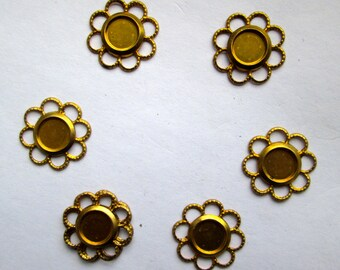 6 Vintage Brass Settings