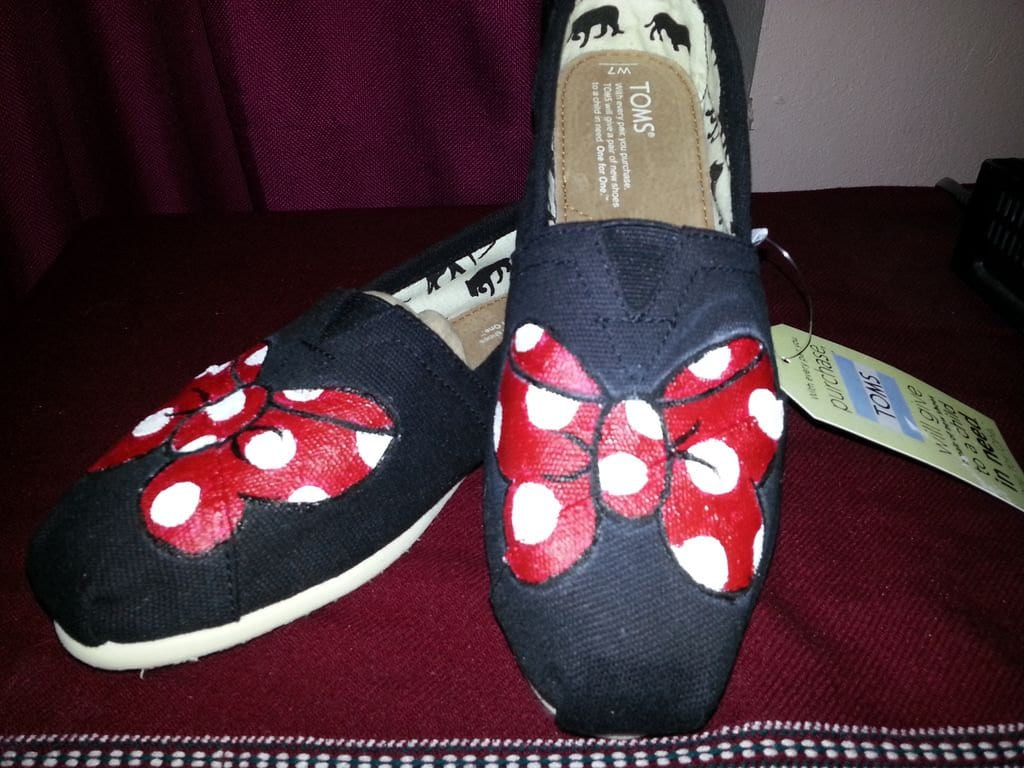Minnie Mouse arco pintado a mano TOMS