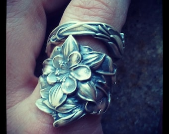 Columbine Ring, Wide Sterling Silver Spoon Ring, Columbine Flower Ring, Colorado Ring Silver Chunky Flower Ring, Adjustable Ring Size (8000)