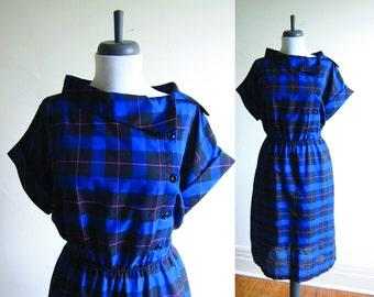 Vintage 1980s Dress / Blue PLAID Asymmetrical Cotton Button Up Dress  / Size Large