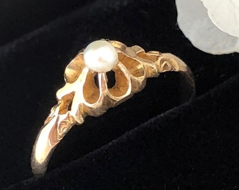 Victorian Pearl Buttercup Ring