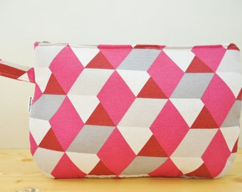 Makeup bag, travel bag, pink clutch, quilted bag, travel pouch, fabric pouch, toiletry bag, pink bag, quilted travel bag, beauty bag