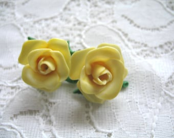 Vintage Celluloid Flower Earrings ~ Yellow ~ Clip On