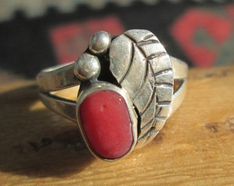 Vintage Coral and Sterling Silver Feather Ring Size 6.75
