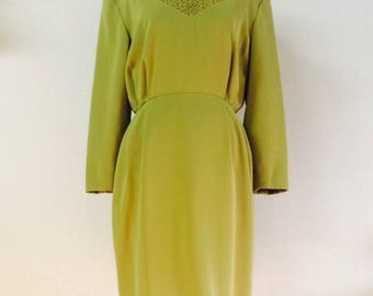 Japanese 60s green olive  color  dress . M size