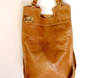 MI-VIDA. Foldover bag / crossbody bag / foldover purse / mustard leather bag / bohemian leather bag. Available in different leather colors.