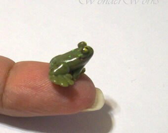 3 Miniature Frogs and Toads - 1:12 Dollhouse Scale Life Like Hand Sculpted Creatures for Miniature Garden or Pond
