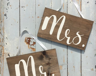 Mr. & Mrs. signs | chair signs | bride and groom sign | wooden sign | wedding decor | sweetheart table decor | handmade sign | wooden sign |