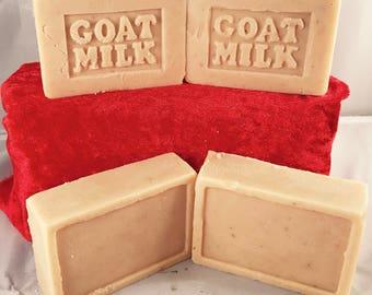 Goatsmilk, Manuka Honey & Oats Artisan handmade soap