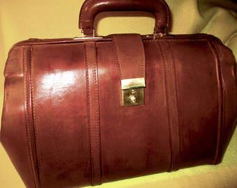 Estate Find, circa 1970's - 80's brown leather Doctors, Nurse, travel bag.