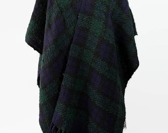 Hattie Carnegie Cape, Plaid, Poncho, Made in Japan, Fringed, 70s 80s