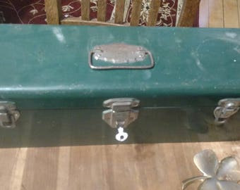 Union Steel Vintage Green Toolbox with key