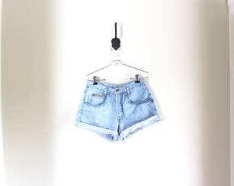 vtg high waisted jean shorts // light wash jorts // hollywood basic blues shorts