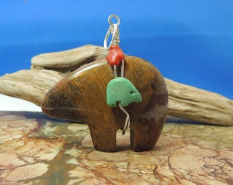 Petrified Wood from Australia Zuni Bear with bundle Pendant New Zuni Bears Gemstone