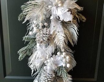 Christmas wreath/ door wreath/housewarming wreath/ holiday wreath/ winter wreath