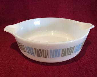 Pyrex JAJ Matchmaker Junior Space Saver 1 pint Casserole Dish 1960's