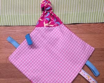 Crackling cloth