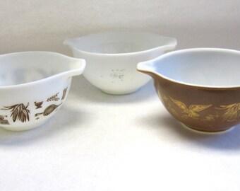 Pyrex Serving Bowl Set Three Eagle Early American Brown White