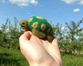 Sea turtle, felted, turtle, sea animal, felt animal, felted animal, textile sculpture, wool, soft, gift idea, figure