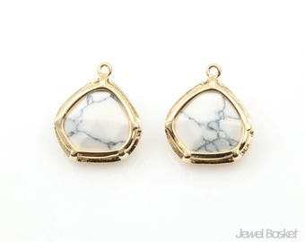 Howlite Stone and Gold Frame Pendant / 13.0mm x 15.0mm / SWQG130-P (2pcs)