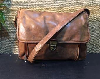 Vintage 1980's Tan Beige Brown Leather Medium Size Shoulder Bag